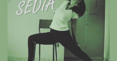 yoga sulla sedia